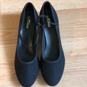 Dancing shoes , SoDanca , size M10L